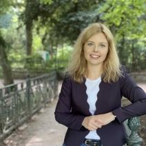 Kim-Sarah Speer